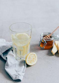 Zelf verse gemberthee met citroen maken is echt heel easy. En daar naast is het het perfecte drankje bij verkoudheid en griep.