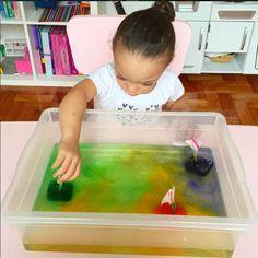 10 ideias de brincadeiras para fazer com gelo - barquinhos de gelo colorido
