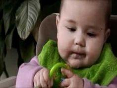 Kind en Gezin: Fijne motoriek 6-8 maanden - YouTube