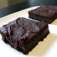 Sweet Potato Brownies  1 baked sweet potato 2 large eggs 1 tsp vanilla extract 1/2 cup honey 1/2 cup olive oil 1 tb baking powder 1/2 tb baking soda 1 cup unsweetened cocoa powder 2 tablespoons gluten free flour  365 Degrees, 25 min, 8x8 pan greased  Source: PaleoPlan. Image: Sondi Bruner