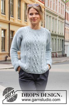 Winter delight / DROPS – free knitting patterns by DROPS design - Pulli Sitricken Cable Knitting, Sweater Knitting Patterns, Knitting Designs, Cable Knit Sweaters, Knit Patterns, Free Knitting, Drops Design, Knit Crochet, Wasting Time