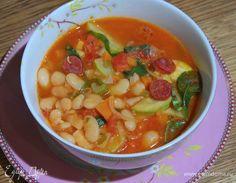 Зимний фасолевый суп. Ингредиенты: фасоль белая, помидоры консервированные в собственном соку, кабачки