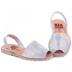 Sandale AVARCA Imprimeu Sarpe Argintiu Espadrilles, Shoes, Fashion, Sandals, Espadrilles Outfit, Moda, Zapatos, Shoes Outlet, Fasion