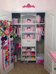 Baby closet ideas - DIY nursery closet organization and organizing ideas Baby Room Closet, Little Girl Closet, Kid Closet, Closet Ideas, Girls Closet Organization, Diy Organization, Organizar Closet, Princess Room, Konmari