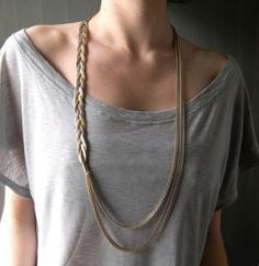 t-shirt + skinny braid = necklace