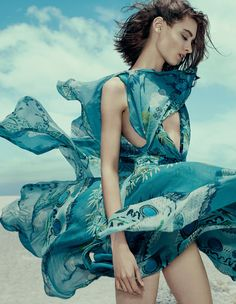 Silk summer dresses - Carolina by Andrew Yee for How To Spend It April 2015 - Etro