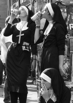 Nuns on the holy grail. Hot Nun, Black White Photos, Black And White, Arte Dope, Foto Art, Retro Aesthetic, Bad Habits, Dark Art, Aesthetic Wallpapers