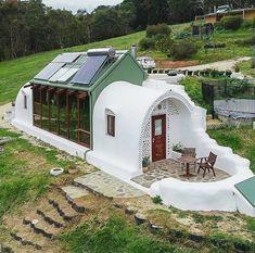 Earthship Home, Earthship Design, Earth Homes, Natural Building, Tiny House Living, Living Room, Future House, Architecture Design, Green Architecture