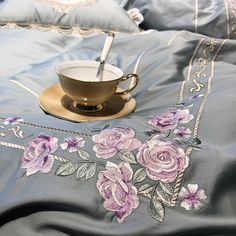 Egyptian Embroidery Cotton Luxury King Queen Size Bedding Set Duvet Covers Classical Blue Pink Bed C Pink Bed Covers, Bed Cover Sets, Duvet Covers, Purple Bedding Sets, Duvet Bedding Sets, Grey Bedding, Dorm Bedding, Queen Size Bed Sets, Queen Size Bedding