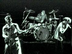 Music video by Rage Against The Machine performing Killing In The Name. (C) 1992 Sony BMG Music Entertainment Rage Against The Machine, Soundtrack, Rock And Roll, Jimi Hendricks, Rap Metal, Rock Videos, Best Guitarist, Bmg Music, Rock Legends
