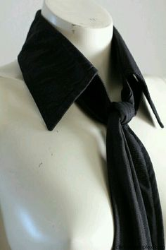 Detachable collar and tie