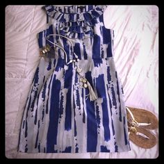 NWOT Banana Republic Dress New without tags, just in time for summer. Fully lined, light weight, cool and breezy Banana Republic true waist, shift dress; machine washable, pack-able and won't last long! Banana Republic Dresses Midi