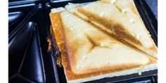 comida-grudada-na-sanduicheira-truque-para-limpar