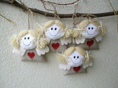 ANDĚLÍČEK kapesní béžový 4 ks Výška cca 10 cm Domalováno barvou na… Diy Angels, Handmade Angels, Christmas Angels, Christmas Crafts, Christmas Ornaments, Angel Ornaments, Felt Ornaments, Handmade Decorations, Xmas Decorations