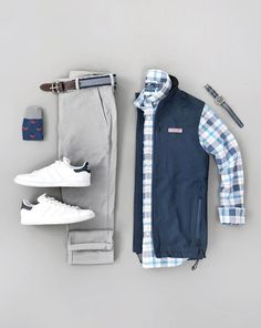 Mens Casual Dress Outfits, Stylish Mens Outfits, Cool Outfits, Simple Outfits, Business Casual Attire For Men, Men Casual, Chinos Men Outfit, Outfit Grid, Mens Clothing Styles