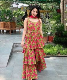 Easy Fashion Tips .Easy Fashion Tips Indian Fashion Dresses, Pakistani Dresses Casual, Indian Gowns Dresses, Dress Indian Style, Pakistani Dress Design, Indian Designer Outfits, Indian Outfits, Hijabi Gowns, Indian Clothes