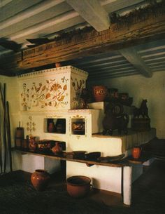 interior of a Traditional Ukrainian peasant house Ukraine, Japanese Interior Design, Farmhouse Fireplace, Home Comforts, Architecture Old, Traditional House, House Painting, House Design, Inspiration