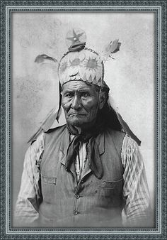 Geronimo, (Goyathlay) dressed for a photograph for his autobiography, published in 1906. He died at Fort Sill in 1909. ck