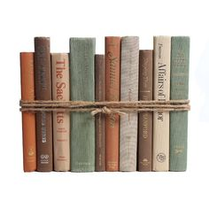 Authentic Decorative Books - By Color Modern Harvest ColorPak Linear Foot, Books) Old Books, Antique Books, Vintage Books, Book Aesthetic, Aesthetic Bedroom, Aesthetic Dark, Aesthetic Vintage, Old Book Crafts, Book Spine