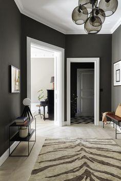 Tour a Spacious Stockholm Apartment with a Luxurious Look - Nordic Design Hallway Inspiration, Interior Design Inspiration, Design Ideas, Black Marble Countertops, Stockholm Apartment, Apartment Interior, Beige Kitchen, Scandinavian Apartment, Beige Walls
