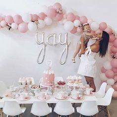 How cute is this table setting, garland and use of the @northstarballoons YAY script! Image via @temikatrimboli  #pastel #perfection #pink #tablesetting #yay #pretty #balloondecor #balloongarland #balloons #kidsparties