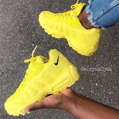 Nike Sneakers for Men & Women Sneaker Outfits, Sneakers Fashion Outfits, Sneaker Heels, Mode Outfits, Cute Sneakers, Shoes Sneakers, Sneakers Outfit Nike, Sneaker Store, Nike Air Shoes