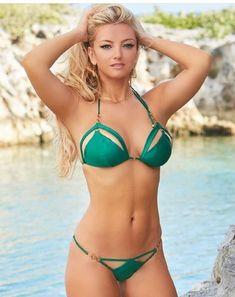 Hot girls in sexy The Bikini, Sexy Bikini, Bikini Girls, Daily Bikini, Green Bikini, Hot Girls, Bikini Swimwear, Swimsuits, Corpo Sexy