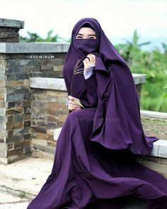 Happiness is a choice, not a result. Nothing will make you happy until you choose to be happy 😉 Im wearing Aiko set in Purple with Naira… Niqab Fashion, Modern Hijab Fashion, Muslim Fashion, Korean Fashion, Beautiful Muslim Women, Beautiful Hijab, Beautiful Asian Girls, Hijab Niqab, Hijab Chic