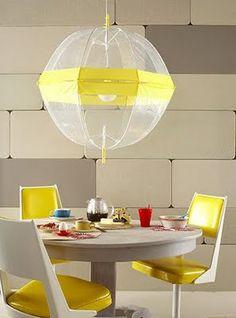 lampara hecha con dos paraguas
