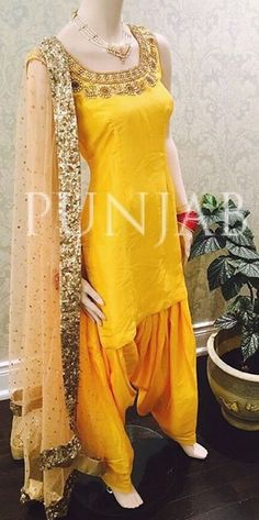 Love the colour of this suit! Indian Suits, Indian Attire, Indian Dresses, Indian Wear, Indian Clothes, Punjabi Fashion, Bollywood Fashion, Asian Fashion, Women's Fashion