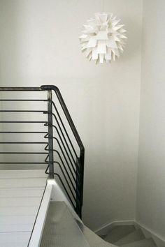 Rimelig tre-trapp kledd med stål....