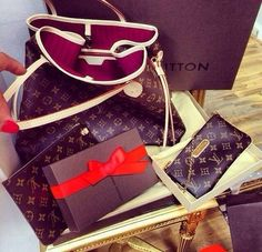 #Louis #Vuitton #Handbags Is Your Best Choice On This Years, 2017 Fashion Handbags Outlet Hot Sale For This Site. Come And Pick Up One Suitable For You. Take Action As Soon As You Can. Free Shipping!