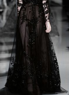 Image about fashion in Goth by Glitter Scissors Dark Fashion, High Fashion, Mode Sombre, Yennefer Of Vengerberg, Runway Fashion, Womens Fashion, Looks Style, Color Negra, Beautiful Dresses