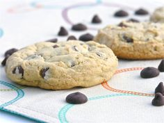 Everyone needs a great recipe for chocolate chip cookies. For big chewy perfect-every-time goodness this is your recipe! CHOCOLATE CHIP COOKIES INGREDIENTS: margarine (use tubs of Fleishmans f… German Chocolate Cake Mix, Semi Sweet Chocolate Chips, Chocolate Chip Cookies Ingredients, Chocolate Chip Cookie Dough, Pumpkin Pie Dip, Dot Cakes, Cookie Dough Recipes, Choco Chips, Dessert Recipes