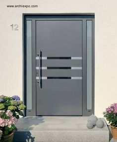 puerta de entrada de residencia hecha de aluminio ms