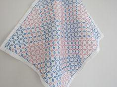 刺し子の布巾(方眼刺し)