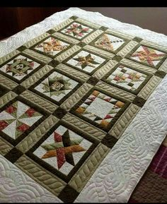 Love the sashing detail Bright Quilts, Small Quilts, Mini Quilts, Quilting Projects, Quilting Designs, Longarm Quilting, Machine Quilting, Quilt Stitching, Applique Quilts