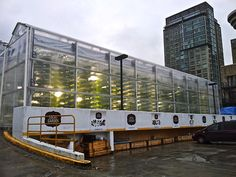 World's Most Innovative Urban Farms http://www.farmxchange.org/top-8-urban-farms-in-the-world/  Local Garden in Vancouver, Canada