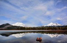 Sparks Lake, South Sister, and Broken Top  ---------------- @ tdeswert