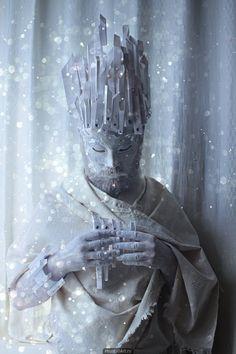 Маска, карнавал, снежный король, корона, стразы, сон, сказка, флейта, бумажная пластика, дрёма.