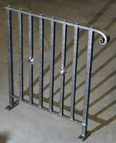 Outdoor Stair Railing, Stair Railing Design, Stair Handrail, Wrought Iron Porch Railings, Cast Iron Railings, Blacksmith Projects, Welding Projects, Pub Decor, Blacksmithing