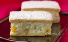 Tvarohový koláč s hrozienkami • recept • bonvivani.sk