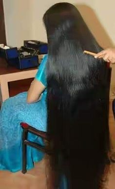 Another beautiful lady taken the plunge.massive her on the floor. She likes the new look, Long Silky Hair, Long Black Hair, Super Long Hair, Thick Hair, Indian Long Hair Braid, Braids For Long Hair, Loose Hairstyles, Indian Hairstyles, Long Hair Drawing