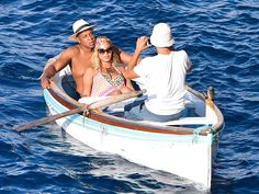 ROW YOUR BOAT photo | Beyonce Knowles, Jay-Z wrap up their vacation in Nerano, Italy