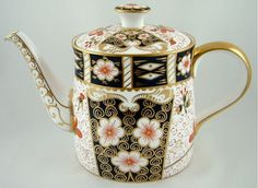 ROYAL CROWN DERBY CHINA LARGE TEAPOT TRADITIONAL IMARI 2451 1ST - RRP £750.00