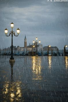 """hungariansoul: """"dolce-vita-lifestyle: """" """" Rainy Dawn, Venice, Italy photo via beth """" LA DOLCE VITA - Over Images of Wealth, Fashion, Beauty and World Luxury. Rainy Night, Rainy Days, Rainy Morning, Night Rain, I Love Rain, When It Rains, Dancing In The Rain, The Places Youll Go, Places To Travel"""