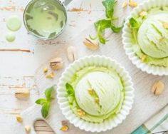 Glace à la pistache végétalienne : http://www.fourchette-et-bikini.fr/recettes/recettes-minceur/glace-la-pistache-vegetalienne.html