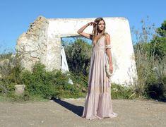Indira, un vestido de ensueño con un toque boho que te enamorará. Ibiza, Boho Chic, Spring Summer, Dresses, Fashion, Dream Dress, Long Dresses, Summer Time, Moda