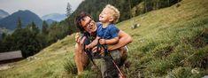 Informationen rund um spannende Wanderwege in Tirol, die für die ganze Familie geeignet sind, finden Sie hier. ✓Streckeninfos ✓Kostenloser GPS-Track ✓Tourendetails Couple Photos, Couples, Hiking With Kids, Walking Routes, Family Activity Holidays, Alps, Round Round, Summer, Travel