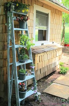 The Chicken Chick®: Upcycled Ladder Turned Planter